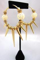 chic spike hoop earrings