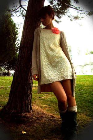 white H&M dress - beige Bershka cardigan - beige Oysho socks - gray Portuguese b