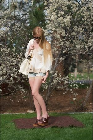 brown Miu Miu shoes - beige Only hearts shorts - blue abercrombie and fitch shor