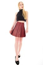 brick red leather Alice  Olivia skirt - black cropped Alexander Wang sweater