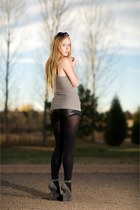 heather gray alaia shoes - black McQ shorts - silver Alice  Olivia top - black O