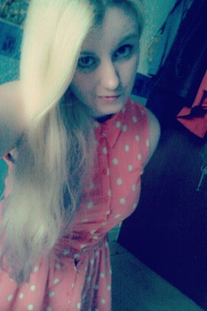 pink Dorothy Perkins dress