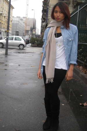 Zara shirt - black Zara leggings - black Viauno boots - white H&M t-shirt - scar