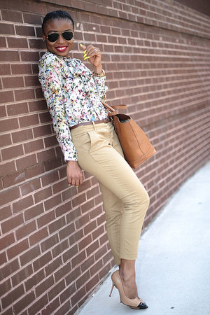 tawny Zara bag - eggshell floral print Zara blouse - bronze Nordstrom pumps