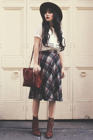 skirt - dark brown Samantha Pleet boots - shirt - tawny coach bag