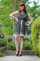 ivory polka dot  lace kohls top - black modcloth dress