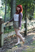 dark khaki high-waisted Forever 21 shorts - ivory patterned Forever 21 top