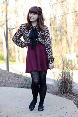 maroon skater H&M skirt - black lace print Forever 21 tights