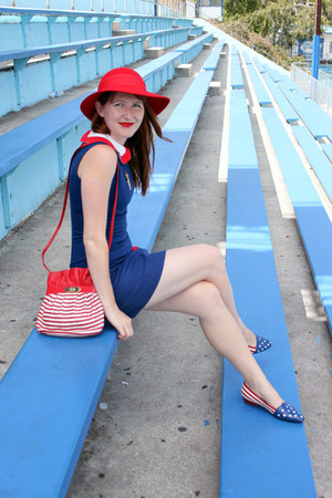 red vintage hat - blue modcloth dress - vintage Gucci purse - vintage Zola flats