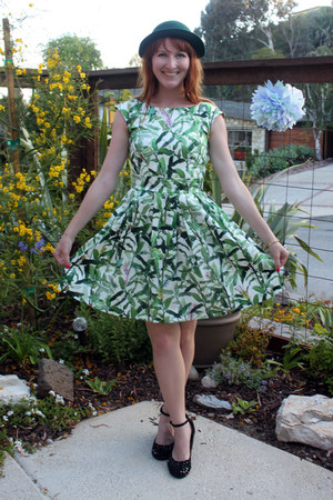 tropical modcloth dress - vintage hat - Jeffrey Campbell wedges