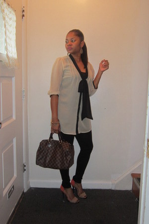 Forever 21 leggings - Louis Vuitton bag - basic sandal Zara sandals