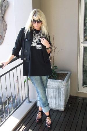 jacket - top - jeans - shoes
