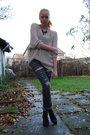 Beige-h-m-trend-blouse-gray-diy-lee-jeans-black-din-sko-shoes-black-lindex