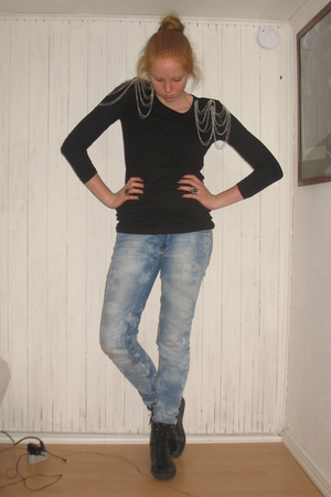 black H&M Trend top - black vagabond boots - silver H&M accessories - silver H&M