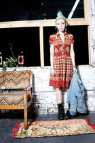 black vintage boots - brick red Little Raisin Vintage dress