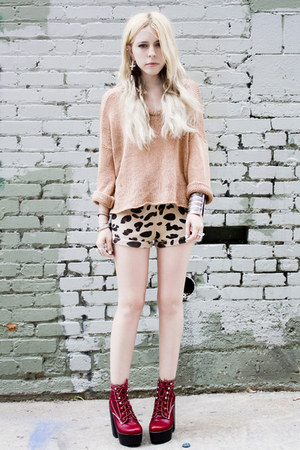 ruby red Jeffrey Campbell shoes - peach sweater - camel Urban Outfitters shorts