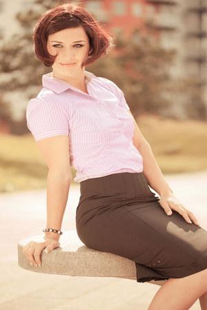 hot pink Jeetly shirt