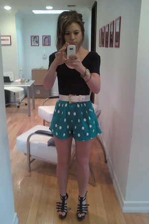 polka dot shorts!