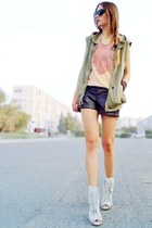 dark khaki boyfriend Armani Exchange vest
