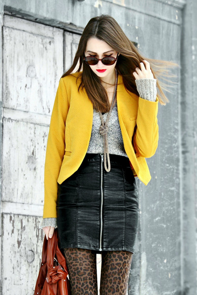 yellow textured Kristines Collection jacket - dark brown puffer tory burch boots