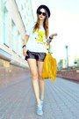 Mustard-mimi-boutique-bag-brown-faux-leather-bershka-shorts