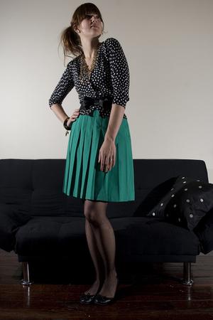green vintage skirt - black delias sweater