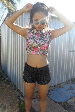 shorts - floral vest