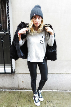 diy American Eagle sweatshirt - fur vintage coat - beanie coal hat