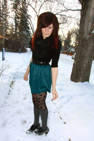 teal f21 skirt - black f21 top - black H& M scarf - charcoal gray winners shoes