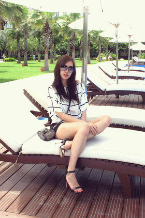 black BCBG shorts - white Zara shirt - Guess bag - Victoria Beckham sunglasses