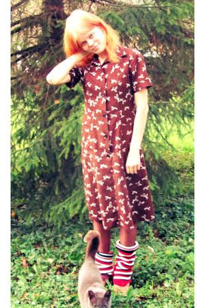 leather vintage shoes - cotton vintage dress - nylon tights
