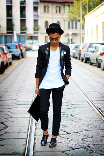 black studded Zara blazer - black Zara shoes - black clutch leather Zara bag