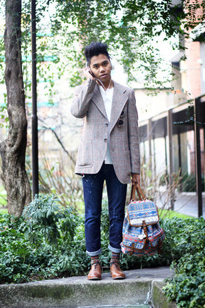 leather Zara shoes - distressed getwear jeans - checkered vintage blazer