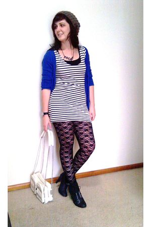black Kmart leggings - blue Valleygirl cardigan - black bardot shoes - white Tem