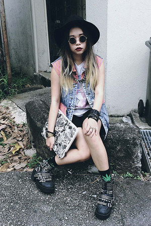 studded Jeffrey Campbell wedges - floppy hat Roxy hat - laptop bag obey bag