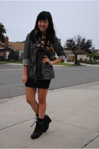 black sweater-trimmed Deena & Ozzy boots - olive green anorak Forever21 jacket