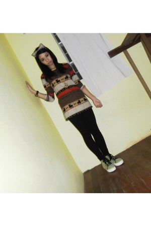 brown watch - green shoes - sweater - black tights - brown hair accessory