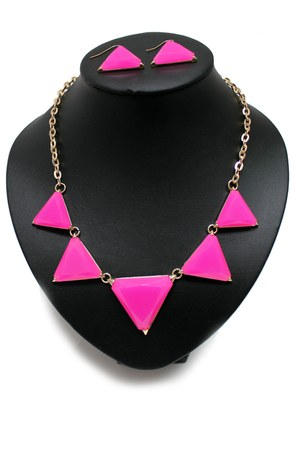 bubble gum unbranded necklace