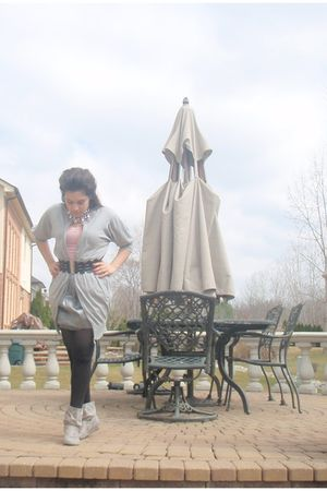gray Forever21 cardigan - gray thrifted skirt - pink aeropastale t-shirt - black