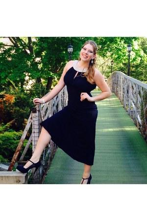 navy dress - navy heels