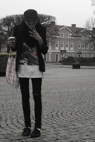blazer - carlings jeans - Dads old tee t-shirt - H&M shoes - H&M scarf - H&M hat