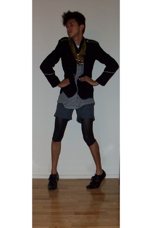 gray H&M shorts - black Zara shoes - black vintage from Wasteland blazer