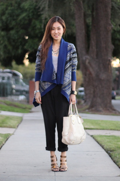 blue tribal sweater H&M sweater - black Zara pants