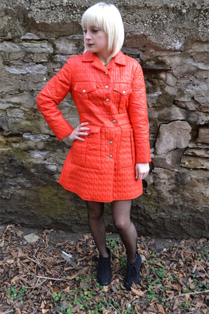 ruby red quilted vintage coat - black sheer H & M tights