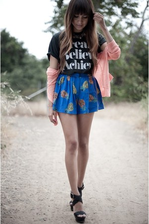 gray SincerelyJules shirt - blue pineapple print shorts - salmon madewell cardig