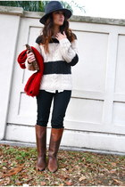 red thick knit hollister scarf - brown vintage boots