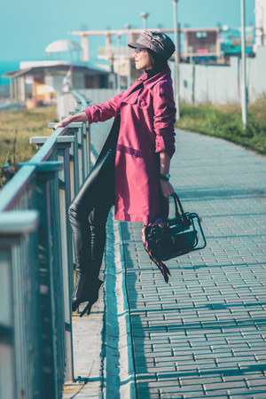 black Zolla sweater - pink trench BeFree coat - tan c&a hat - black Zolla bag
