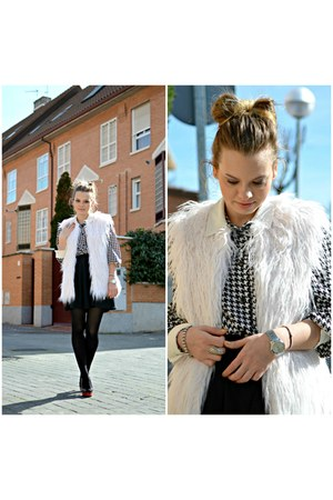 ivory Pull and Bear vest - white vintage shirt - black Lefties skirt