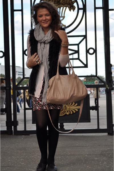 silver H&M scarf