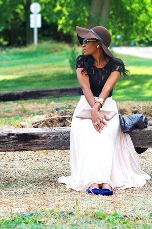 maxi pleat asos skirt - Nine West hat - Zara loafers - Karen Kane top
